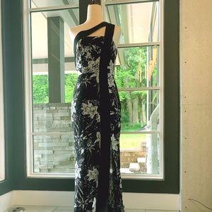 BCBG Max Azria Long Blk & Wht Lace Gown